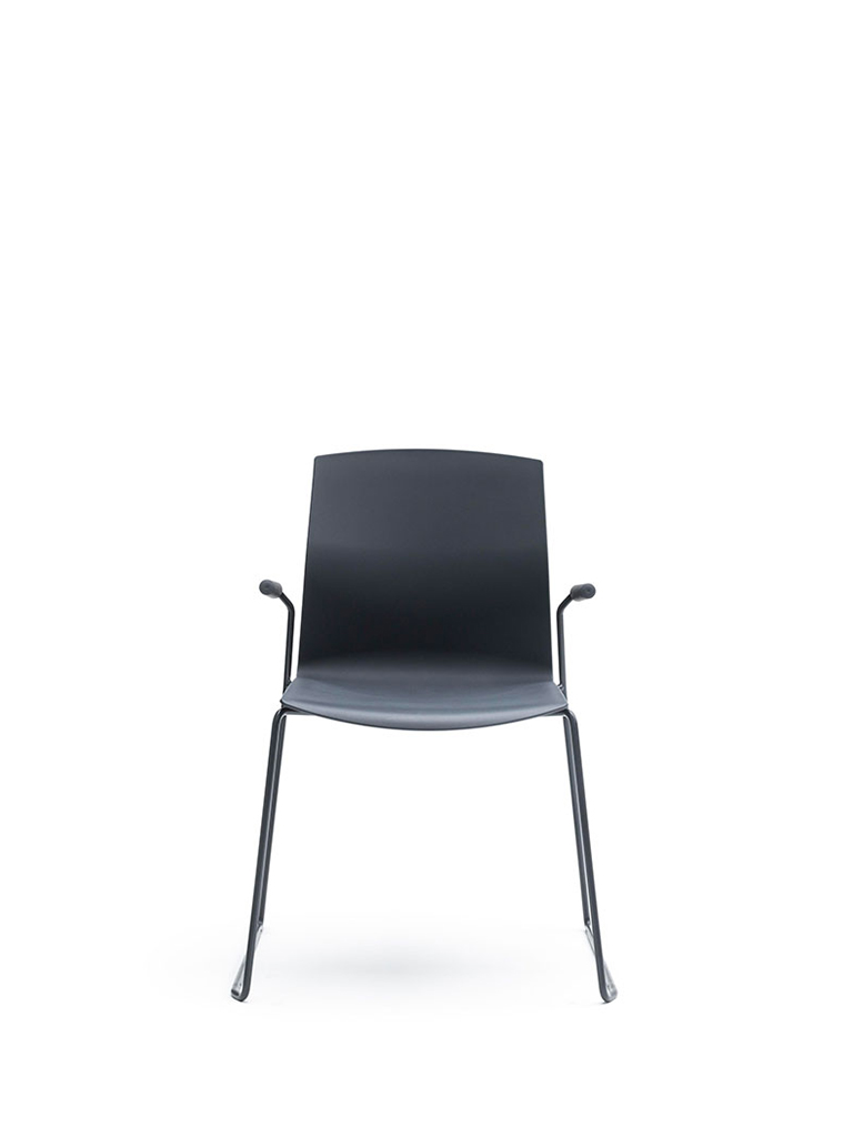 AKABA | Kabi Wire | skid-base chair | black | with armrests