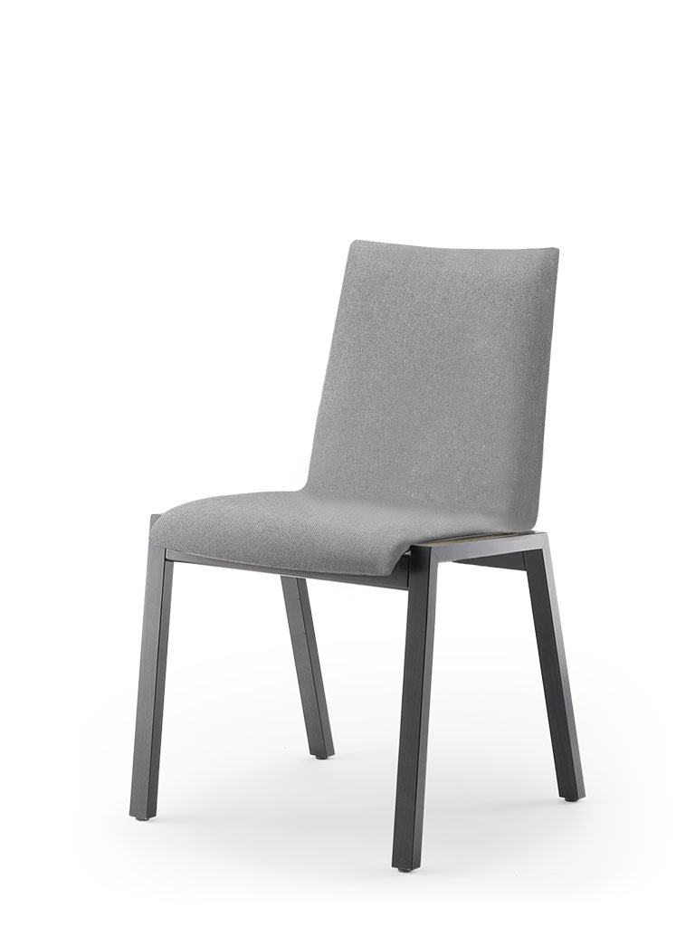 PAN | four-legged chair | fully upholstered front