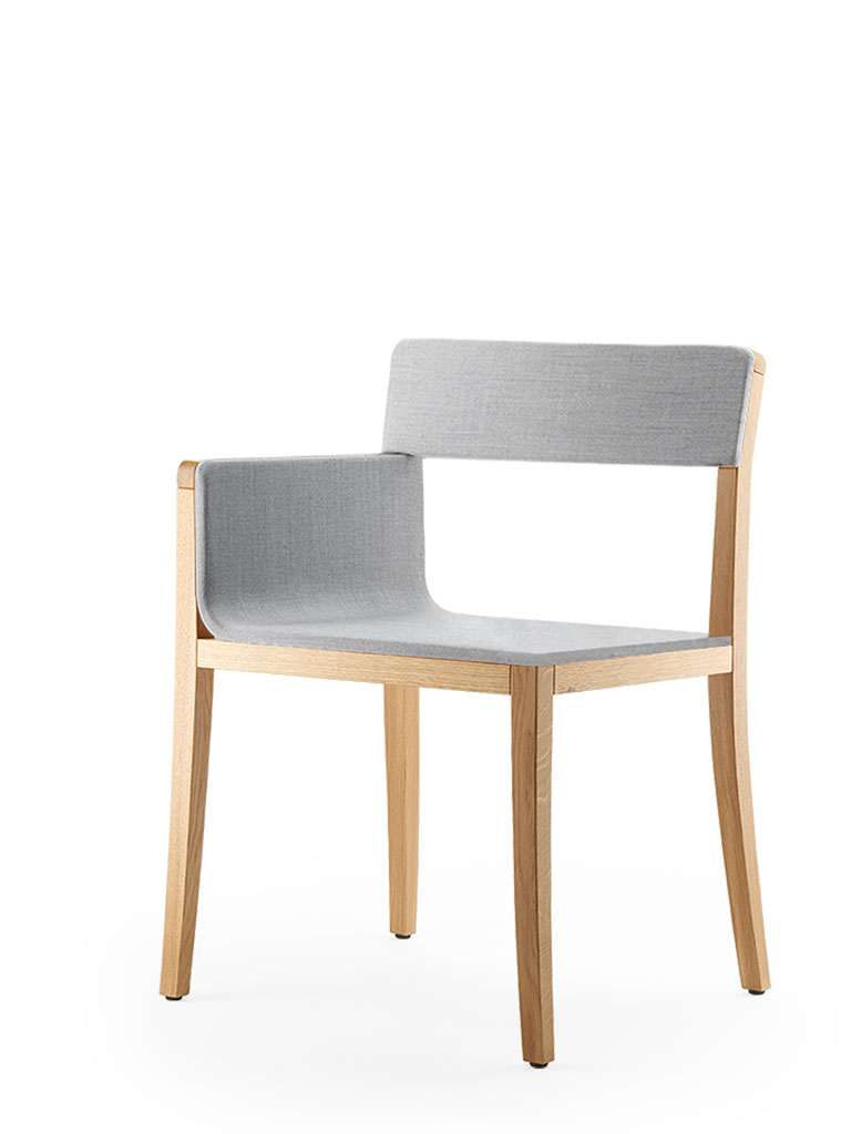 li-lith armchair | upholstered seat and backrest