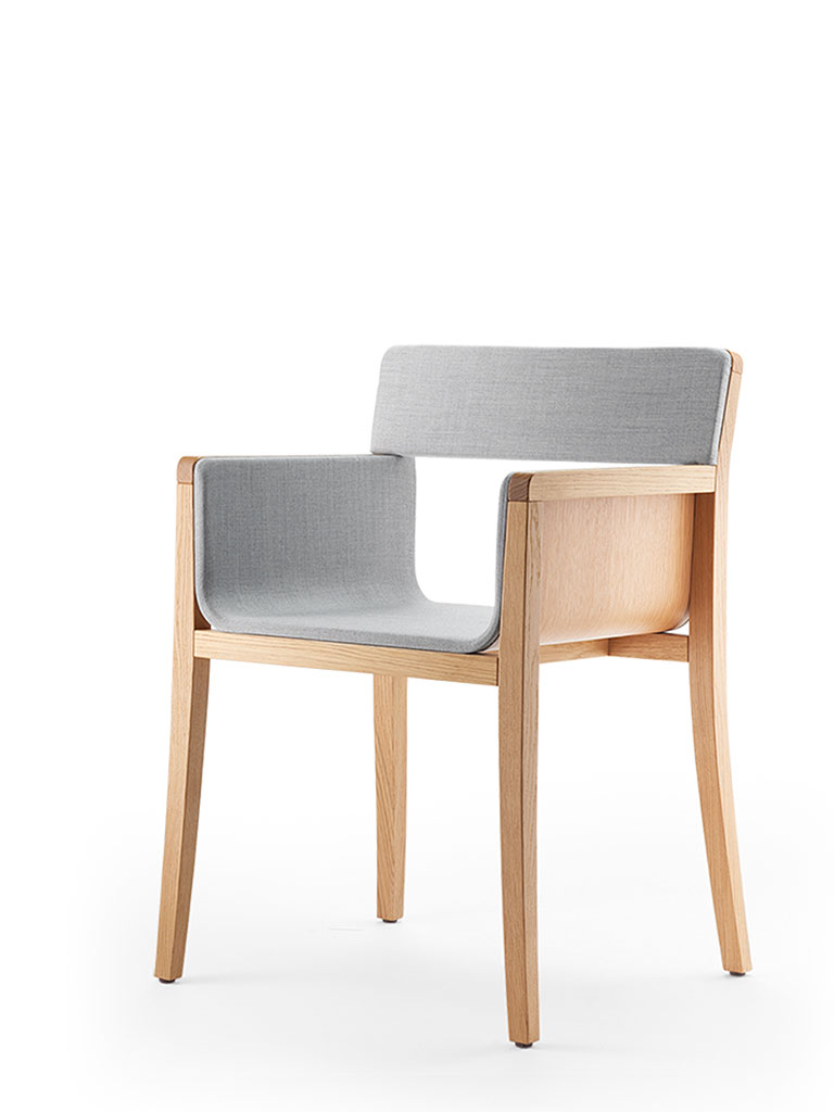 li-lith armchair | upholstered seat and backrest | 2 armrests