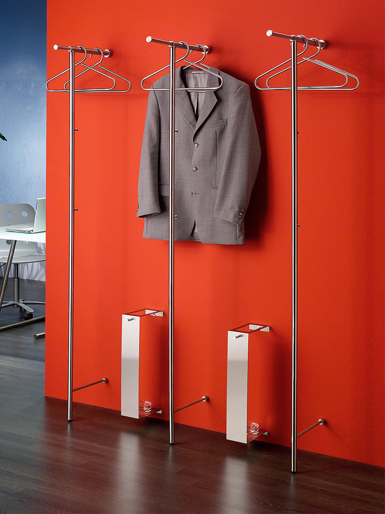 wall-mounted coat rack Lina T with retractable telescopic rod